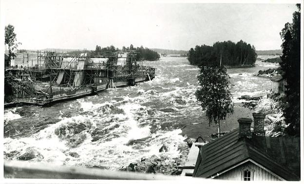 Imatran vesivoimalaitoksen rakentaminen aloitettiin vuonna 1922.