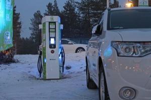 Suomen pohjoisin sähköautojen pikalatauspiste Levillä